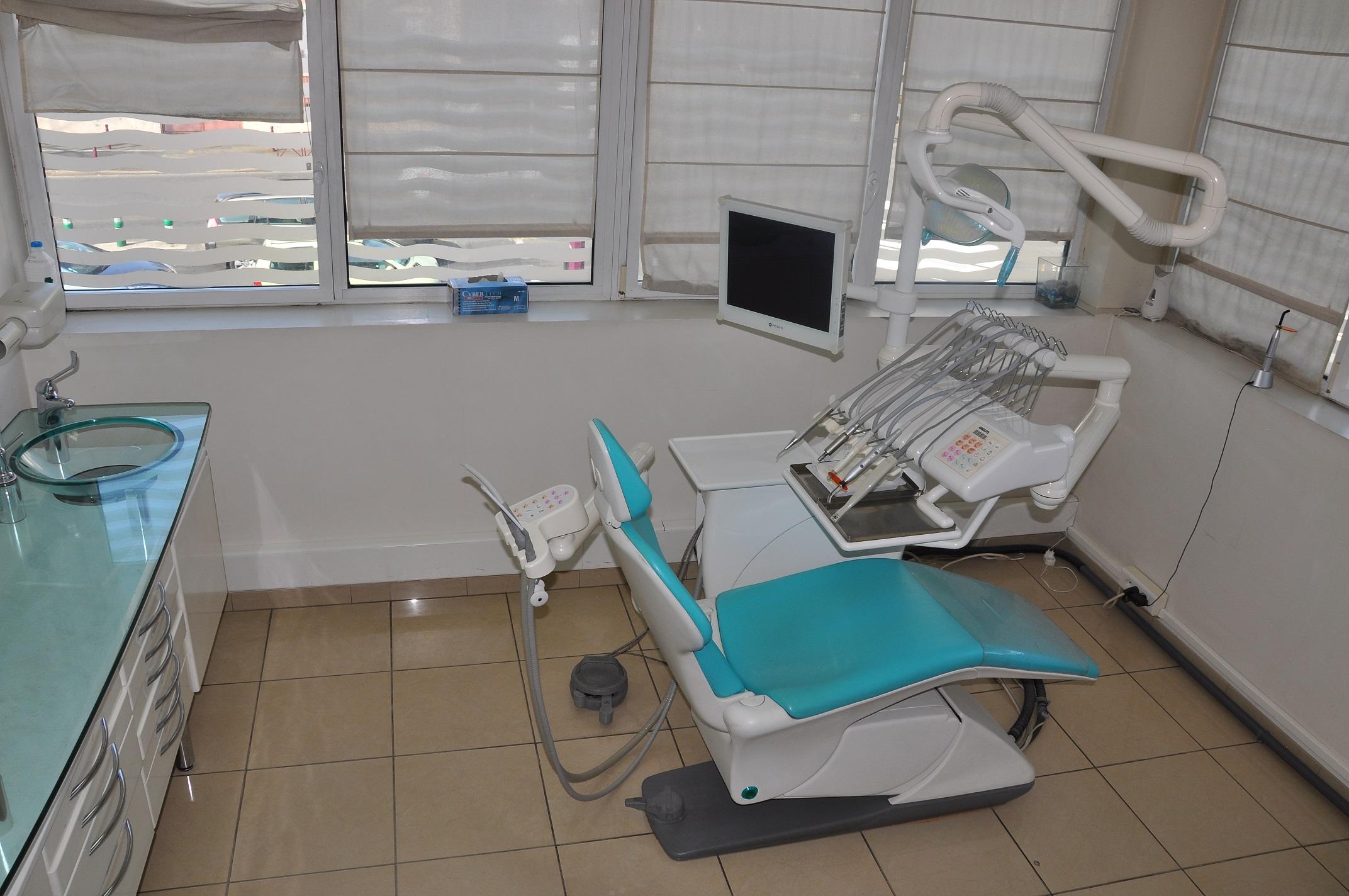 Cabinet Dentaire – Implantologie et Orthodontie Esthétique - L'hay les Roses (94240)